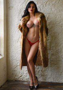 Gina Rood - Pikante V-string